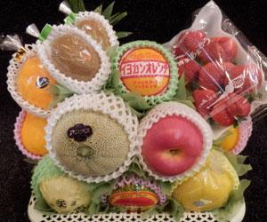 むさしや 果物かご 5,000円(税込5,400円)